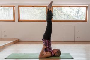 yoga-shoulder-stand