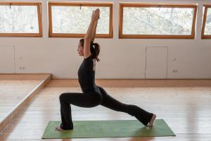 yoga-crescent-pose