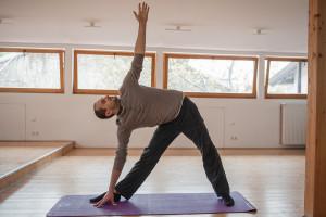 yoga-triangle-pose